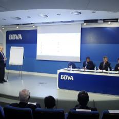 8.En el coloquio de la Asamblea de AUTOCONTROL 2014 , pero en la parte B) con los ponentes españoles (2)